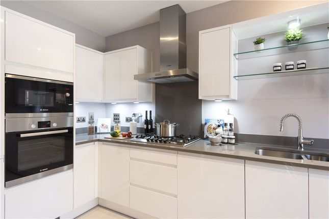 Thumbnail Link-detached house for sale in Mohawk Way, Woodley, Berkshire