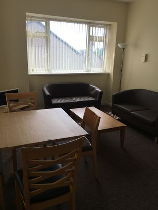 Thumbnail Flat to rent in Phillips Parade, Swansea