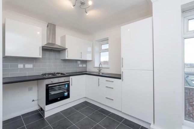Thumbnail Flat for sale in Polesden Garden, London