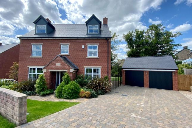 5 bed detached house for sale in Pingle Rise, Matlock DE4
