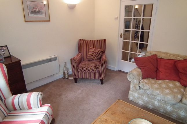 Picture No.05 of The Terrace, Bottlesford, Pewsey, Wiltshire SN9