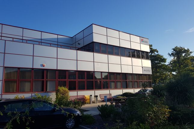 Thumbnail Office to let in Gatwick Road, Crawley