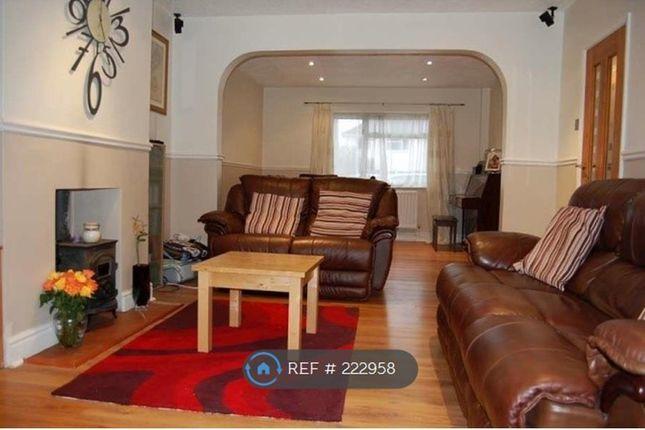 Thumbnail Semi-detached house to rent in Laburnum Crescent, Kidlington