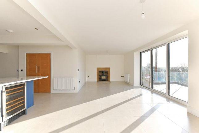 Living of Barrack House, Barrack Road, Apperknowle, Derbyshire S18