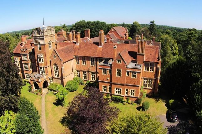 Thumbnail Town house to rent in Oldfield Wood, Woking