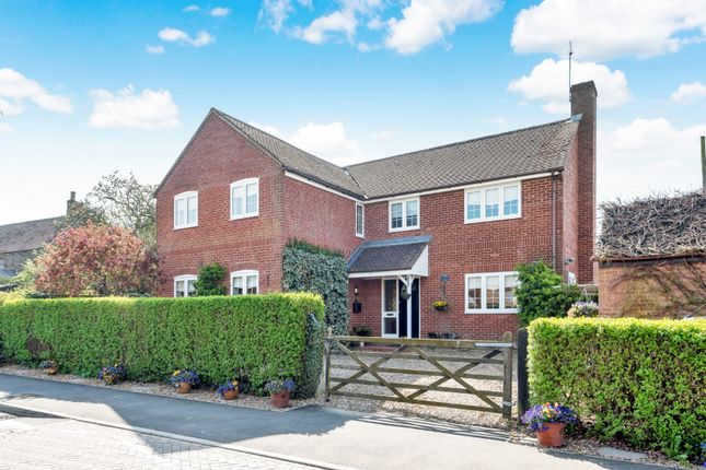 Thumbnail Detached house for sale in Littleworth Road, Benson, Wallingford