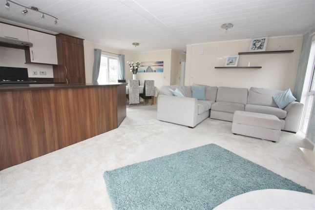 2 bed mobile/park home for sale in Weston Park Homes, Weston Road, Portland