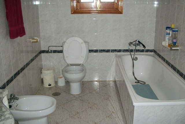 6.Bathroom of Spain, Málaga, Coín