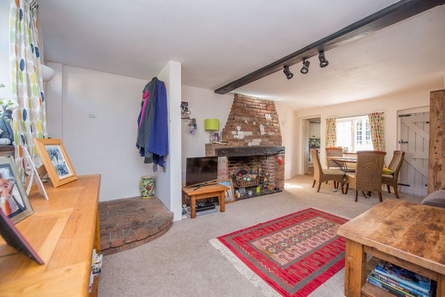 Thumbnail Property for sale in Faversham Road, Lenham, Maidstone, Kent