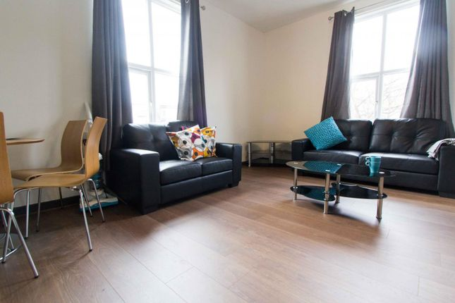 Thumbnail Flat to rent in Flat 3, 15 Hyde Park Terrace, Hyde Park
