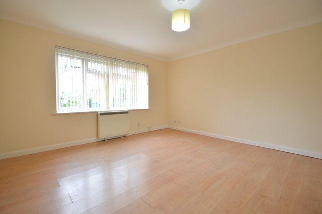 1 bed maisonette to rent in Sheridan Court, Ray Lea Road, Maidenhead, Berkshire SL6