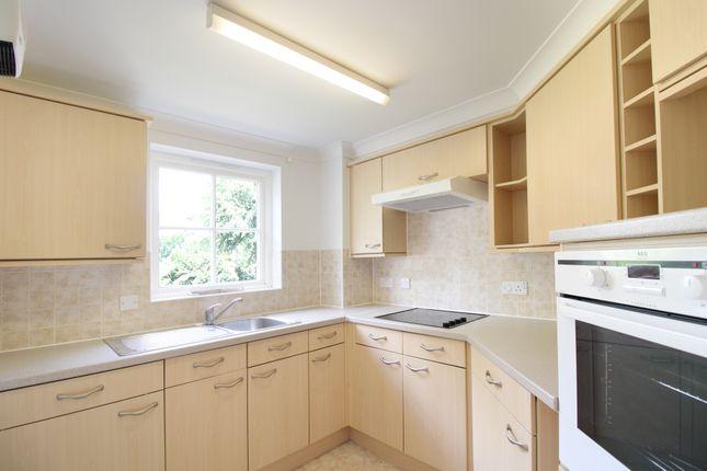 Kitchen of Glen View, Gravesend DA12