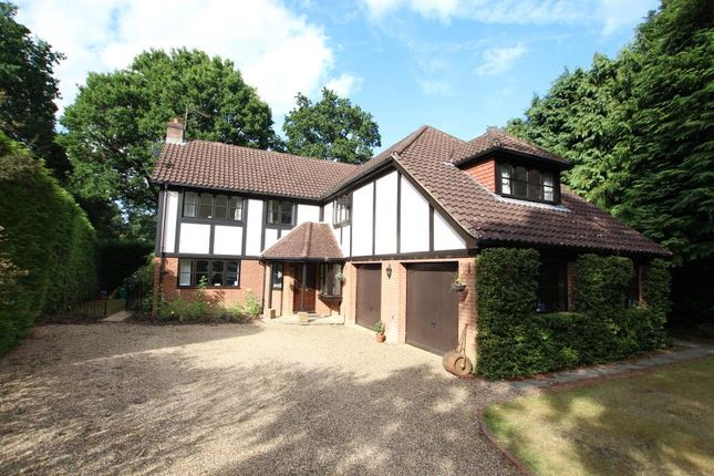 Thumbnail Detached house to rent in Fairway Close, Hook Heath, Woking
