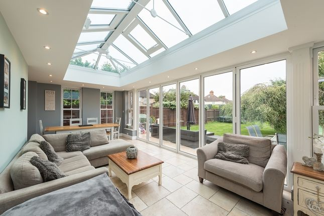 Thumbnail Semi-detached house to rent in Dickinson Square, Croxley Green, Rickmansworth