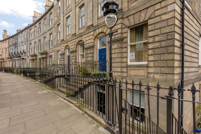 Thumbnail Flat for sale in 12A, Royal Crescent, New Town, Edinburgh