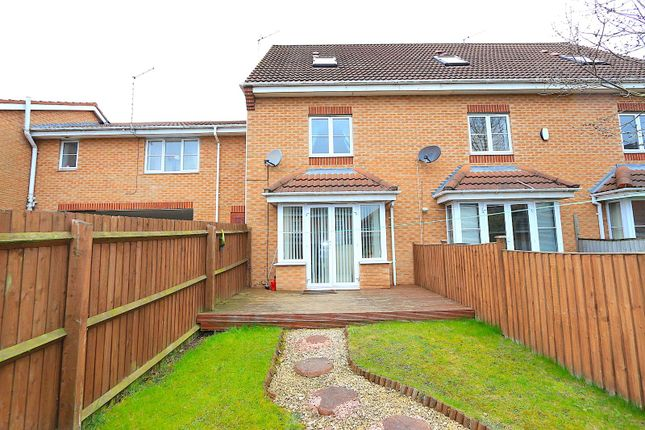 Thumbnail Town house for sale in Marshall Close, Thorpe Astley, Braunstone, Leicester