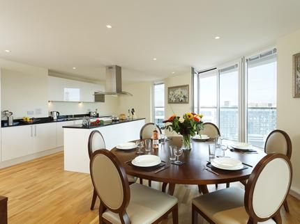 Thumbnail Flat to rent in Lanterns Court, Canary Wharf, London
