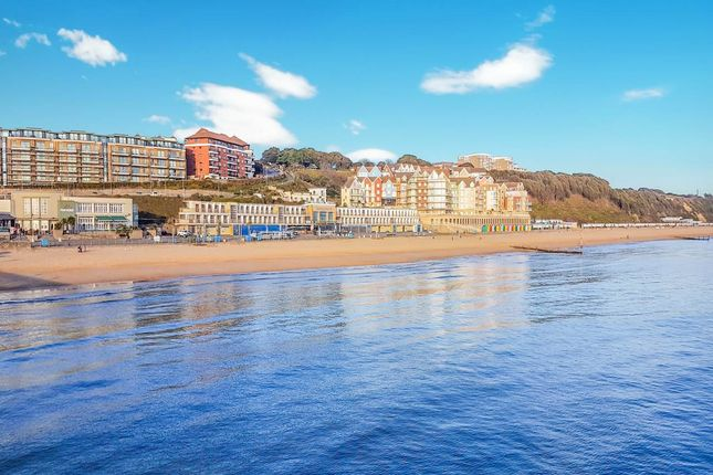 Thumbnail Flat to rent in Honeycombe Chine, Boscombe, Bournemouth