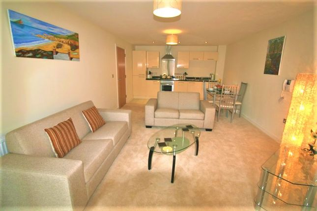 Thumbnail Flat to rent in Sutton View, Moon Street, Plymouth