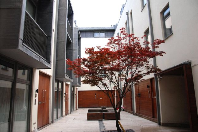 Picture No. 12 of Theatre Courtyard, 1 New Inn Yard, London EC2A
