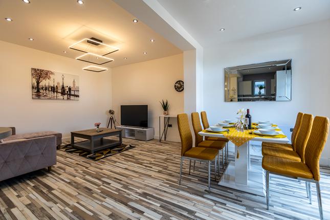 Thumbnail Flat to rent in Walpole Road, London, London