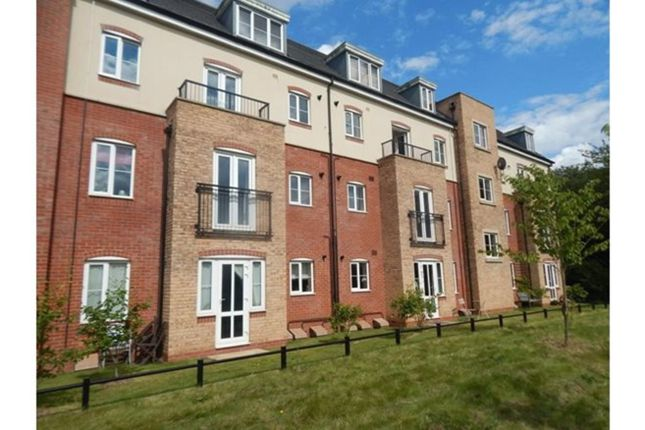 Thumbnail Flat to rent in Riverpark Way, Birmingham