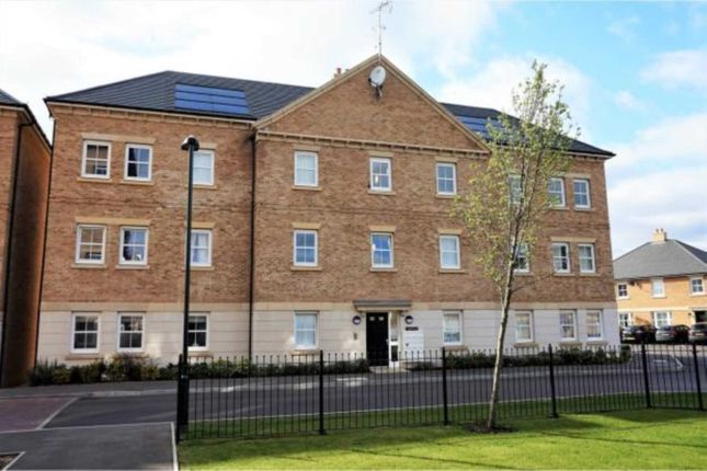Thumbnail Flat for sale in Rainbow Road, Erith