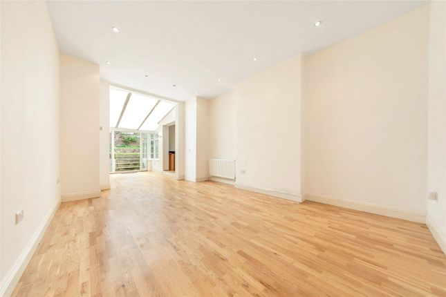 Thumbnail Flat for sale in Stile Hall Gardens, Chiswick