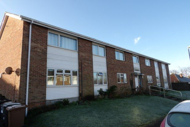 Thumbnail Flat to rent in Chambers Avenue, Romsey