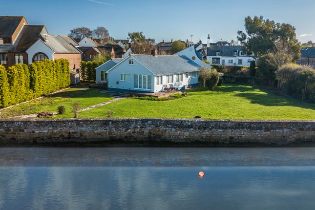 Thumbnail Detached house to rent in Ferry Road, Topsham, Exeter