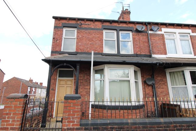 2 bed flat to rent in Healdfield Road, Castleford, West Yorkshire WF10