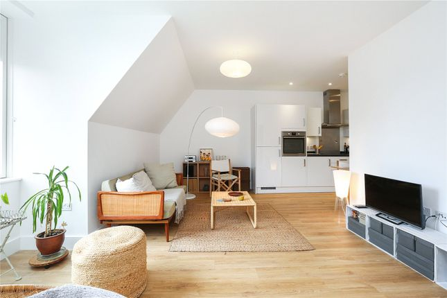 Thumbnail Flat for sale in Hollyhock Mansions, 1 Marwood Square, London