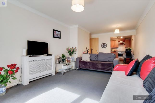 Thumbnail Flat for sale in Douglas Road, Stanwell, Staines