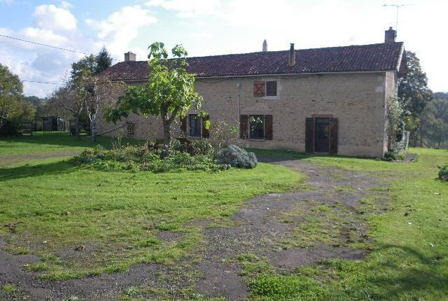 Thumbnail Farmhouse for sale in Poitou-Charentes, Vienne, L'isle-Jourdain