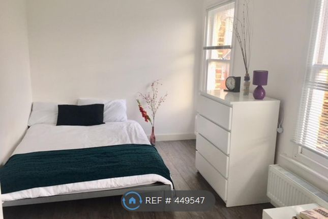 Thumbnail Room to rent in Glengal Road, London