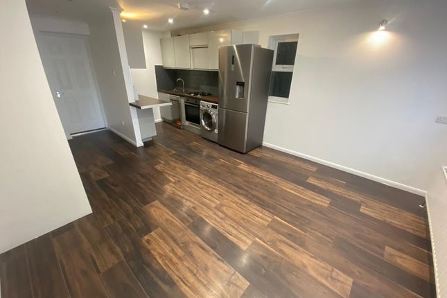 3 bed semi-detached house to rent in Greenland Mews, London SE8