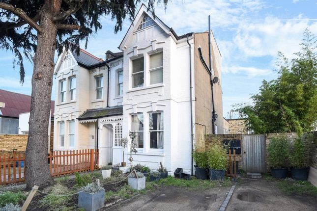 Thumbnail Terraced house for sale in Sandycombe Road, Kew
