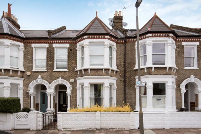 Thumbnail Flat for sale in Hearnville Road, Balham