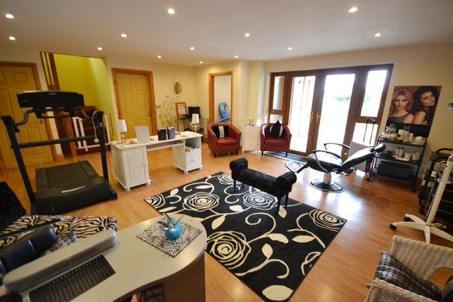 Treatment Room of Ocean Way, Pennar Park, Pennar SA72