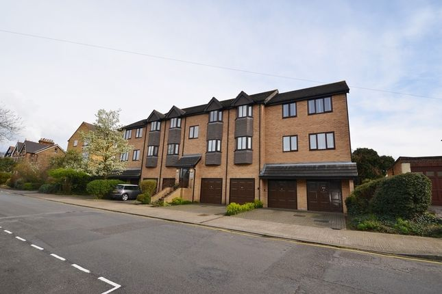 Thumbnail Flat to rent in Charlestown Lodge, Cornwall Road, Uxbridge