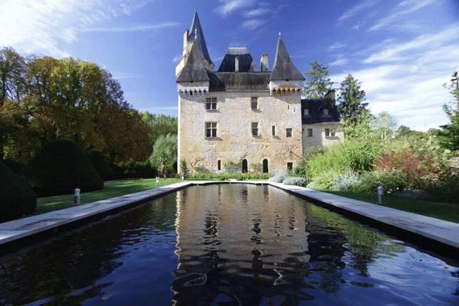 Thumbnail Property for sale in Cfh0329 Exquisite Riverside Chateau, Les Eyzies-De-Tayac-Sireuil Area, Dordogne