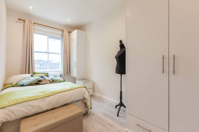 Thumbnail Flat to rent in Brixton Road, Clapham, London