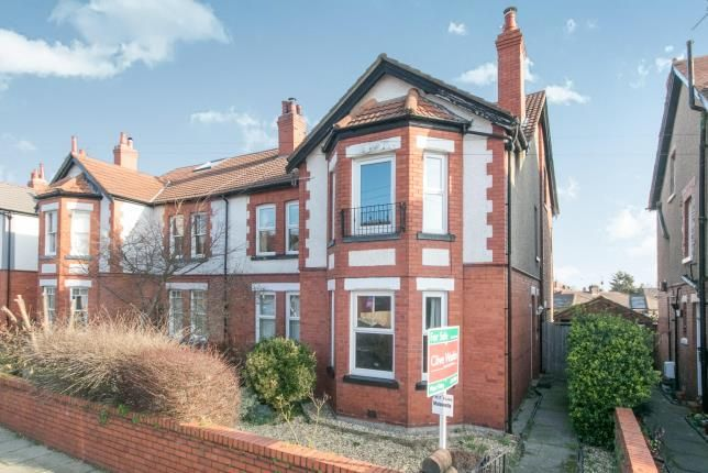 Thumbnail Maisonette for sale in Kings Avenue, Meols, Wirral