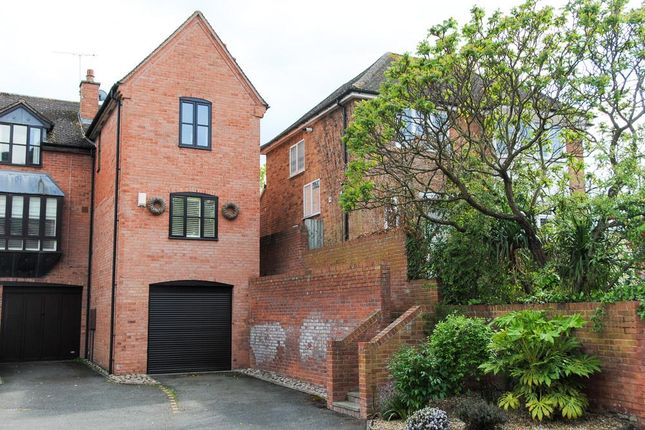 Thumbnail Town house for sale in Priory Road, Warwick