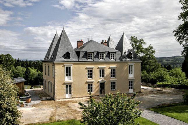 Thumbnail Château for sale in Chateauneuf La Foret, Jura, Bourgogne-Franche-Comté