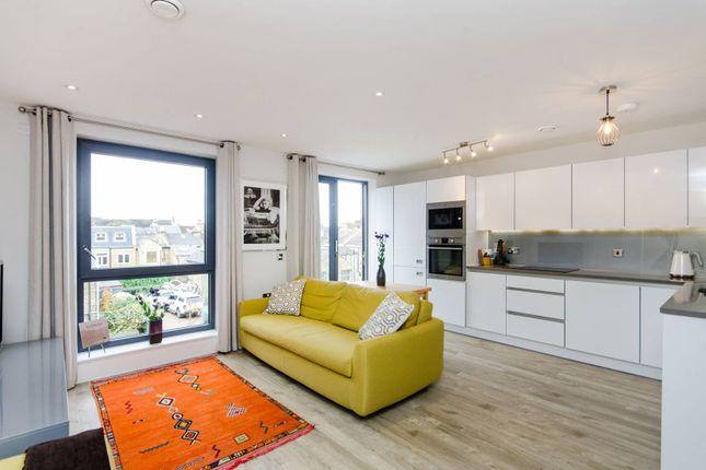 Thumbnail Flat to rent in Wimbledon, Wimbledon