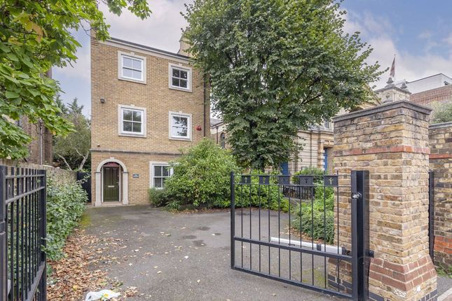 Thumbnail Detached house to rent in Balham High Road, London