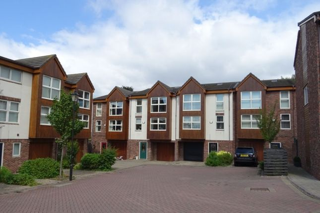 Thumbnail Property to rent in High Street, Frodsham
