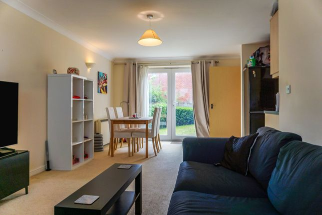 2 bed flat for sale in 5 Goods Yard Close, Loughborough LE11