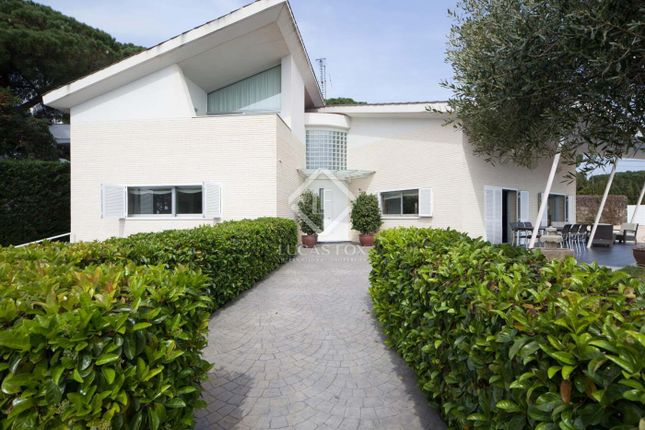Thumbnail Villa for sale in Spain, Barcelona North Coast (Maresme), Arenys De Munt, Lfs4726
